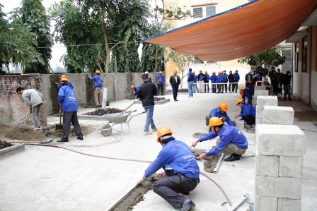 Vietnam Manpower has arranged the placement of masons and plasterers for Qatar Diar - Saudi Binladin Group (QD - SBG) successfully on January 13th 2014