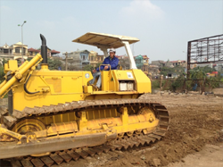 Recruiting-heavy-equipment-operators-and-drivers-for-Al-khodari-company-1