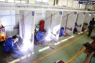 Vietnam Manpower JSC.'s welders testing