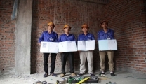 为AW公司供应10名管道工和家具木工