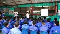 越南人力资源在2018年8月为超过80名工人的LPIC项目供应NAM KINH中东公司