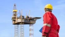 عمال للنفط والغاز