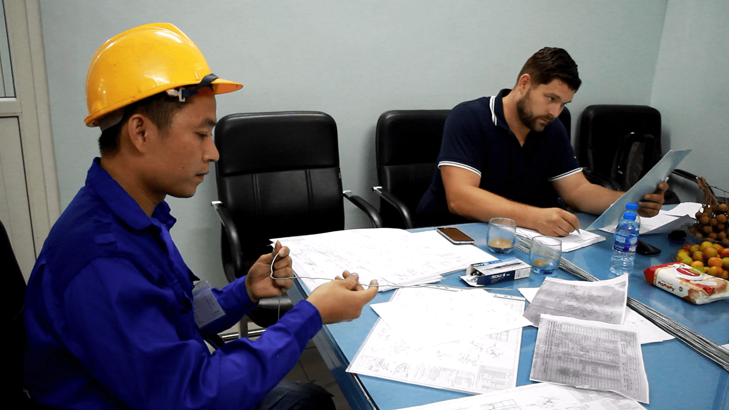 Cooperation between Vietnam Manpower and H.Montaze has brought Czech Republic more than 80 Vietnamese workers for construction and oil and gas field.