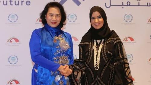 NA Chairwoman Nguyen Thi Kim Ngan and President of the UAE Federal National Council Amal Al Qubaisi
