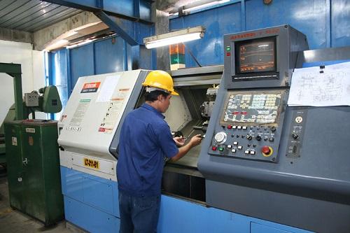 Amazing Vietnam CNC Operator