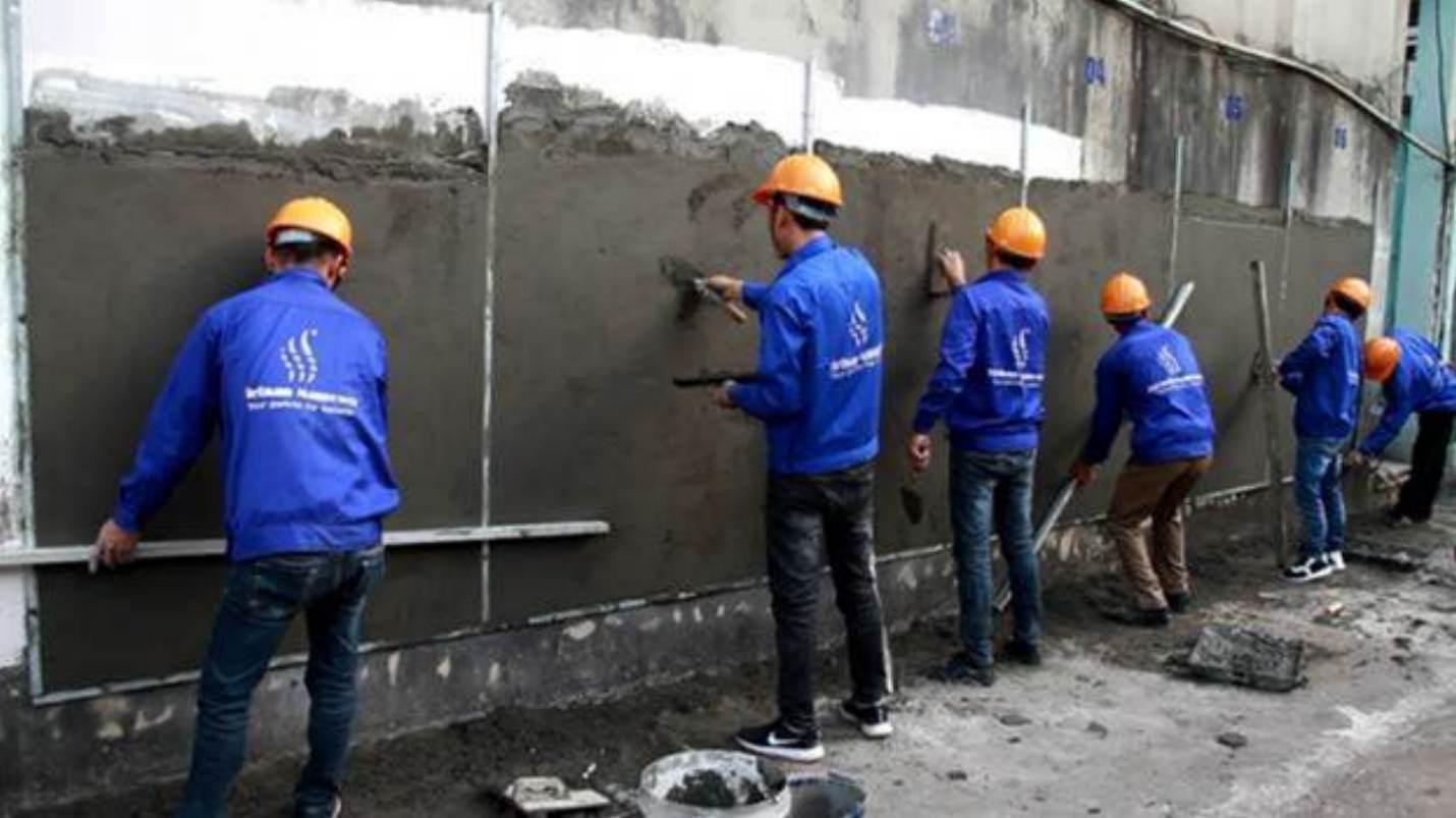 ルーマニア、CL ROグループの50名を超える左官および職長の採用に成功